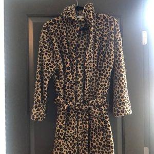Vera Bradley Leopard Robe
